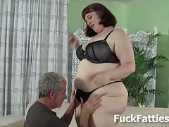 Giant Female Gets Humped..